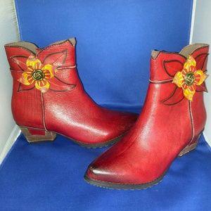 Lartiste women's booties as 7.5-8 red (38)